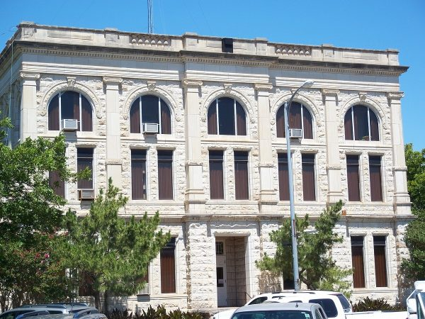 Berlin 9040 narrow dispersion loudspeakers double as music and emergency broadcast system for rural Texas courthouse